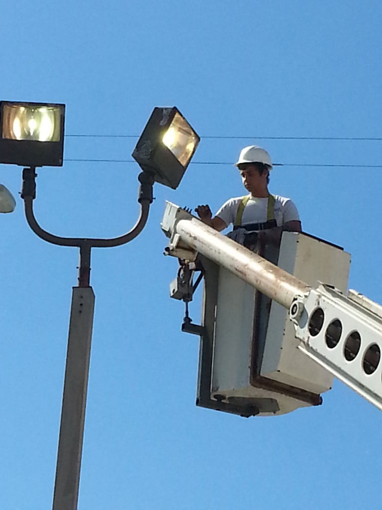 Bucket-Truck-to-Reach-Street-Lamps-768x1024
