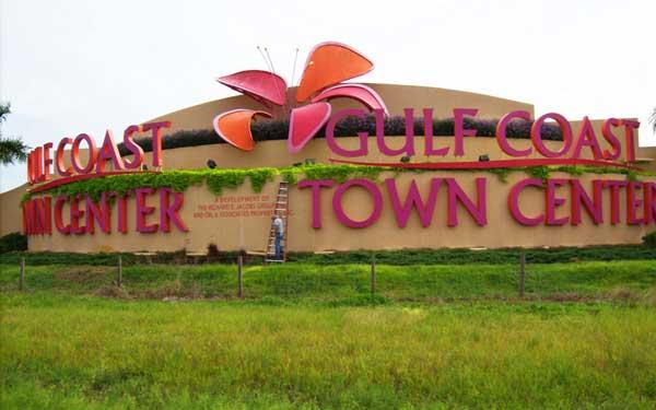 Gulf-Coast-Town-Center-Sign-Lighting