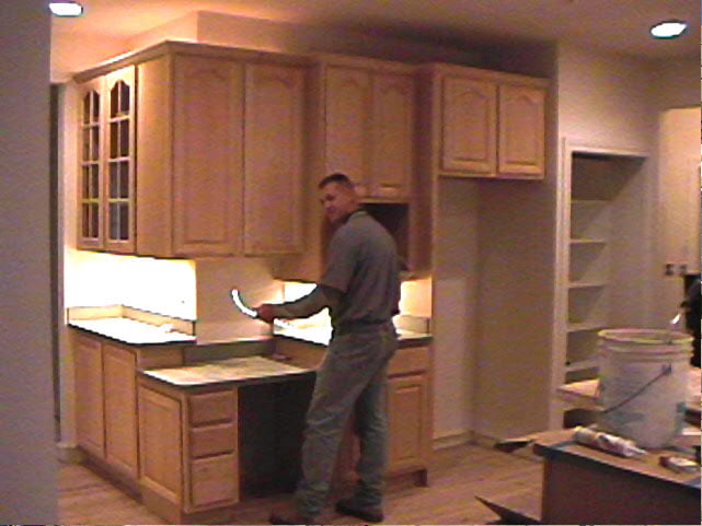 residential-electric-installing-kitchen-lights