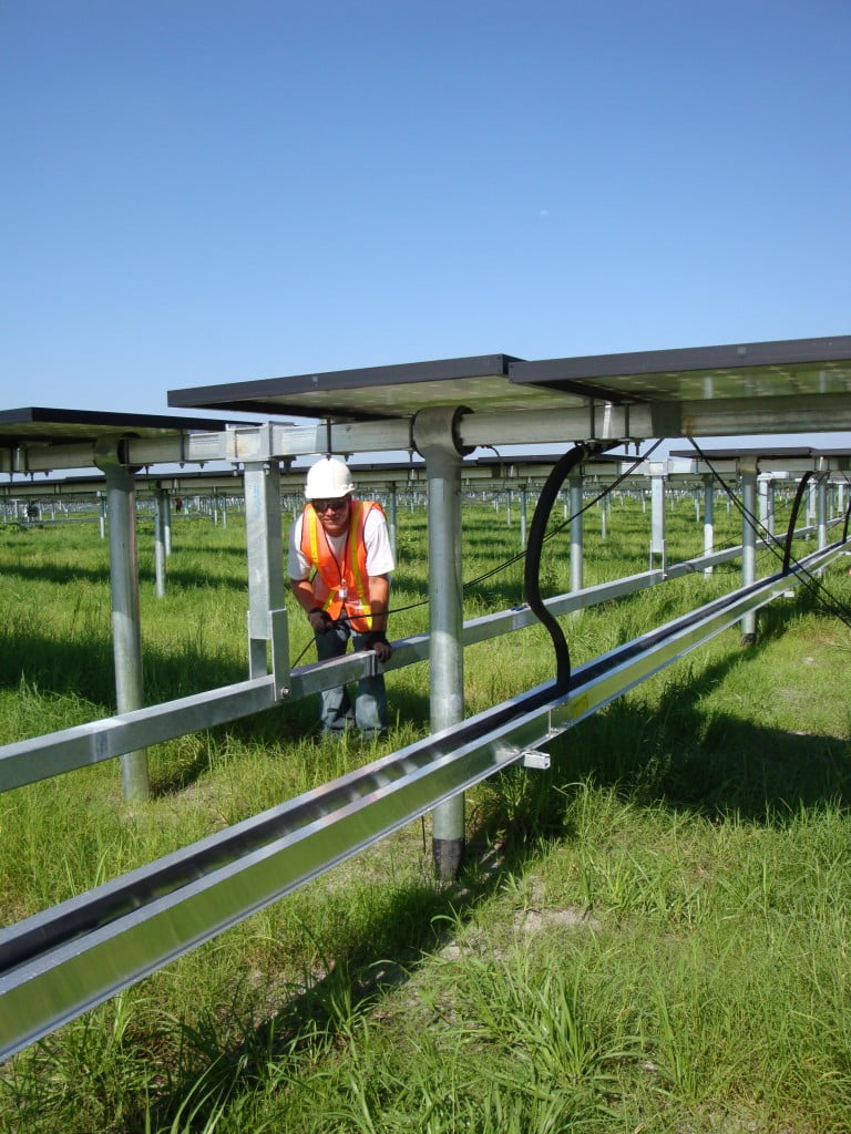 solar-panel-contractor-768x1024